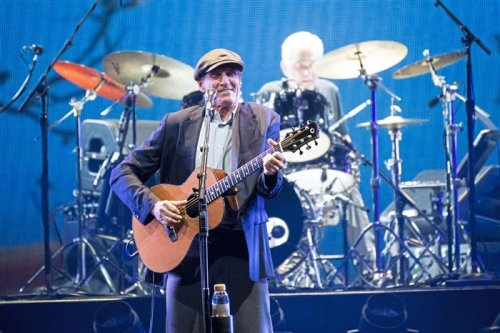 James Taylor, Jackson Browne take it nice and easy in first arena concert in 17 months