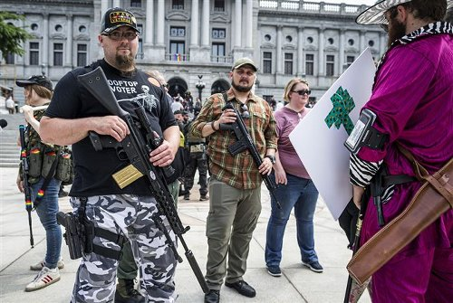 NRA's gun rights message not slowed by legal, money troubles