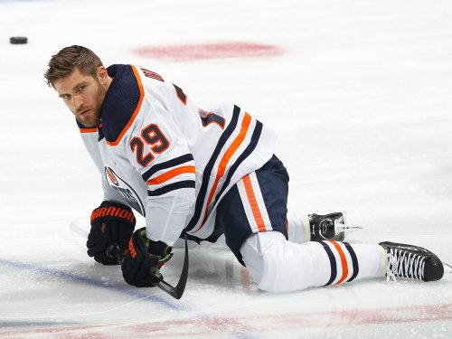 Edmonton Oilers' fight for playoffs happening off-ice too