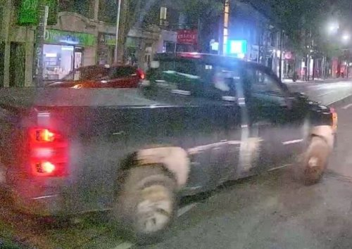 Pickup driver sought after two children given ride: Toronto cops