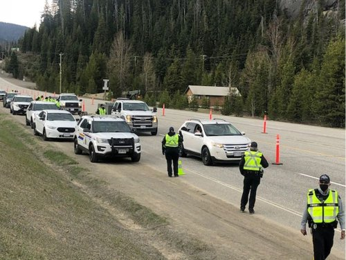 COVID-19: Zero tickets issued on Day 1 of roadside check at Manning Park