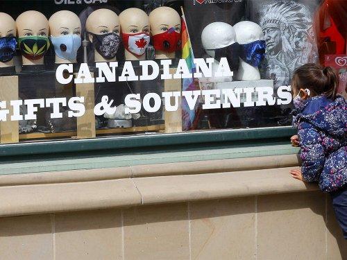 Alberta retailers no longer eligible for COVID-19 vaccine passport program in last-minute change