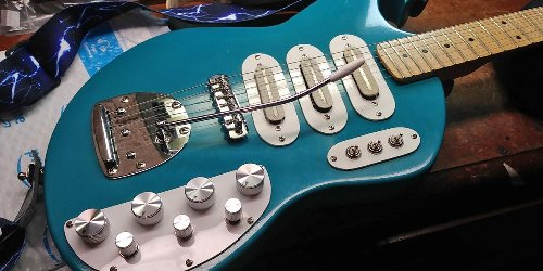Reader Guitar of the Month: Blue Hawaii