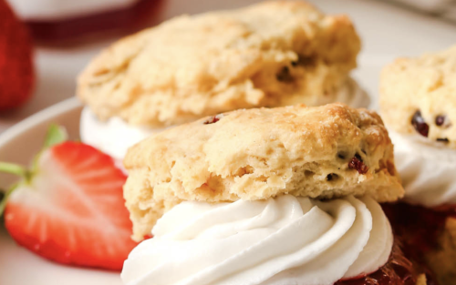 English Scones with Jam and Whipped Cream [Vegan]