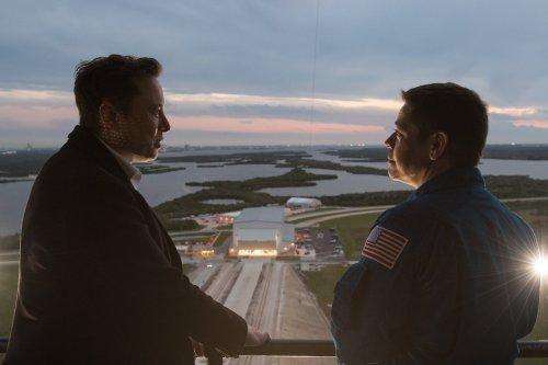 Programme lunaire : la NASA suspend son contrat avec SpaceX