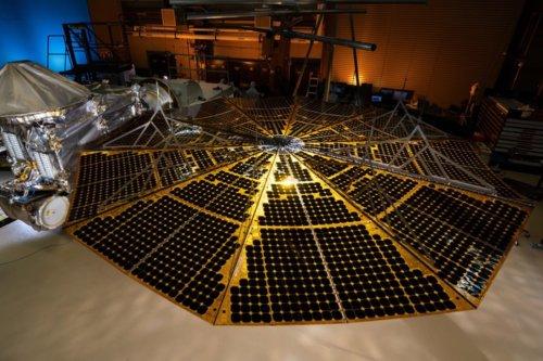 NASA : À peine partie, la sonde Lucy rencontre déjà des problèmes