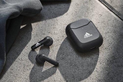 Oubliez les AirPods 3, vos prochains écouteurs sans-fil seront des Adidas