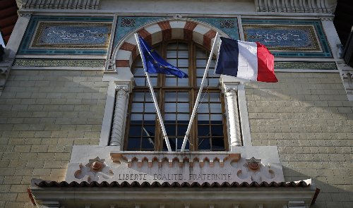 France's top elite school closes in quest for diversity