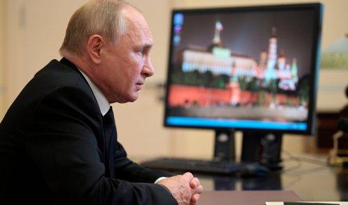 Pro-Kremlin party keeps large majority in Russian parliament