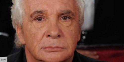 """""""Je l'ai plantée sur l'autoroute"""" : Michel Sardou raconte ce jour où, """"jaloux maladif"""", il avait rompu avec sa future épouse Elisabeth Haas"""