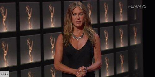 Jennifer Aniston répond aux rumeurs à propos de sa supposée relation avec David Schwimmer après l'épisode spécial de Friends