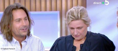 Anne-Elisabeth Lemoine gênée face à Eric Dupond-Moretti quand ses confidences osées sont dévoilées dans C à vous (VIDEO) - videos - Télé 2 semaines
