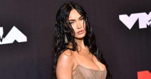 Hier sieht man fast alles: Megan Fox im durchsichtigen Kleid