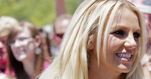Fast nackt: Britney Spears liefert heiße Po-Show im Mini-Tanga