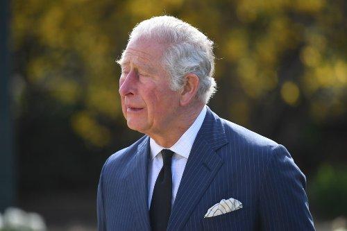 Prinz Charles weint beim Anblick der Tribute für Prinz Philip