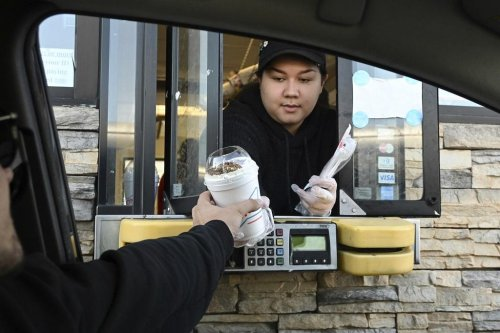 Is Unemployment Insurance Behind the Fast-Food Labor Shortage?