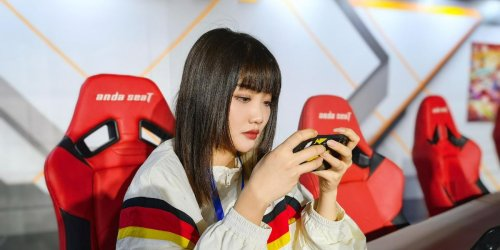 China's women gamers take on the haters