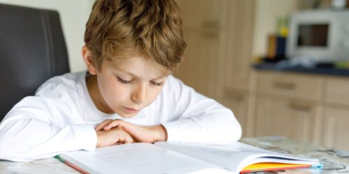 Sensory white noise helps children with dyslexia read and remember words, study finds