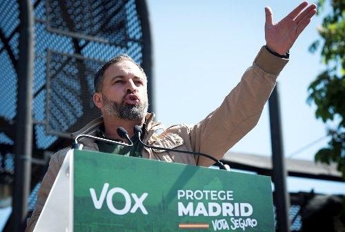 La Fiscalía pide la retirada del cartel de Vox en el que incita al odio contra los menores migrantes