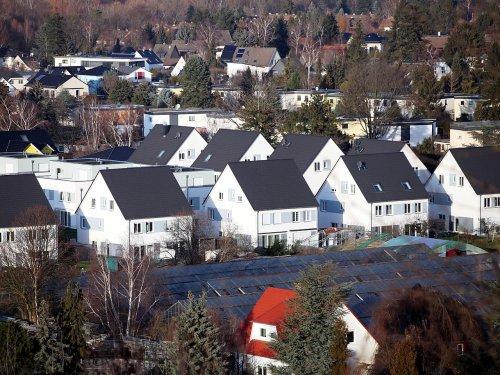 Immer mehr neue Wohngebäude mit erneuerbaren Energien beheizt