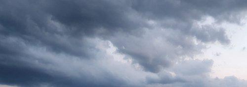 """Alleingelassen! Dunkle Wolken ziehen auf - Fatales und brandgefährliches Schwarz-Weiß-Denken beim Thema """"Ungeimpfte"""""""