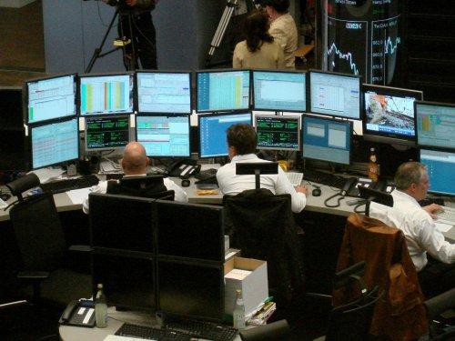 DAX lässt kräftig nach - Anleger fürchten starke Korrektur