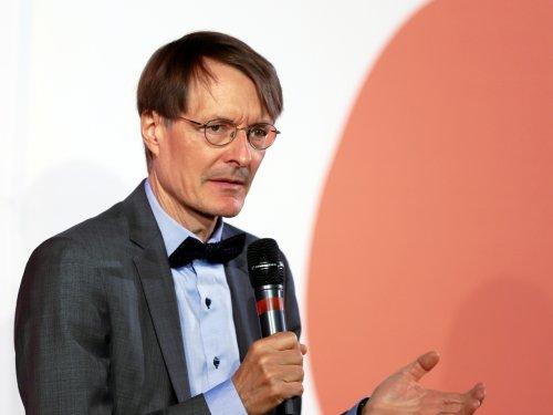 "Lauterbach hält Aufhebung aller Corona-Maßnahmen für ""unvertretbar"""