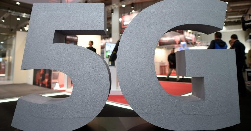 It's not worth buying a 5G smartphone yet