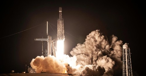 Why SpaceX is silent about winning a huge military contract