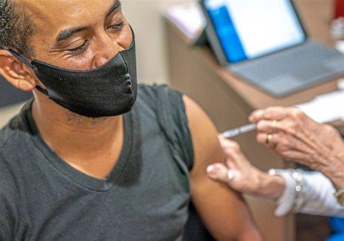 Big gap between Pfizer, Moderna vaccines seen for preventing COVID-19 hospitalizations