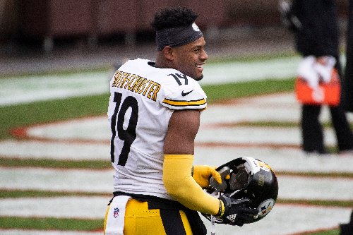 JuJu Smith-Schuster switches agents before next round of contract talks