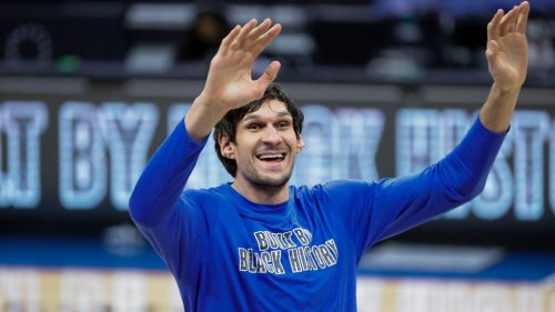 Farmer Boban Marjanovic is staying fit with some yardwork this offseason