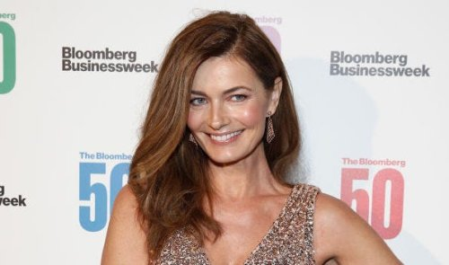 Paulina Porizkova cries while using 'tapping' therapy: 'I was truly drowning'