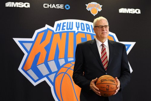 Phil Jackson rips Carmelo Anthony, compares his treatment as Knicks president to Donald Trump