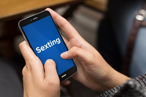 Warnings about sexting would be apart of sex education under proposed bill