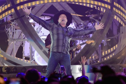 The song Garth Brooks has played most in concert