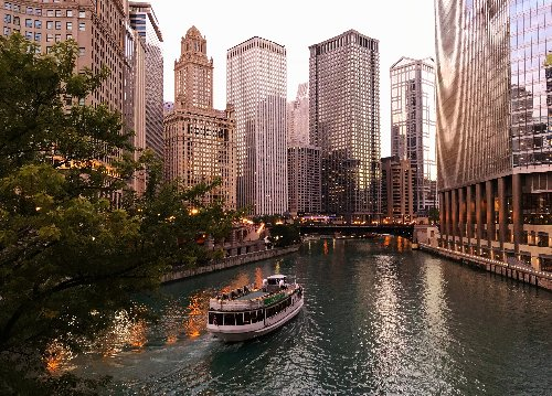 Chicago Architecture Center to expand walking tours beginning Saturday