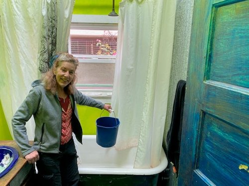 Think outside the bucket: How one Oakland woman is conserving gallons of water