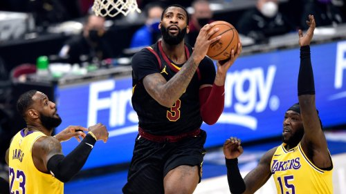 Andre Drummond signs with Los Angeles Lakers