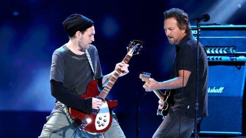 Former RHCP guitarist Josh Klinghoffer joins Pearl Jam's live lineup