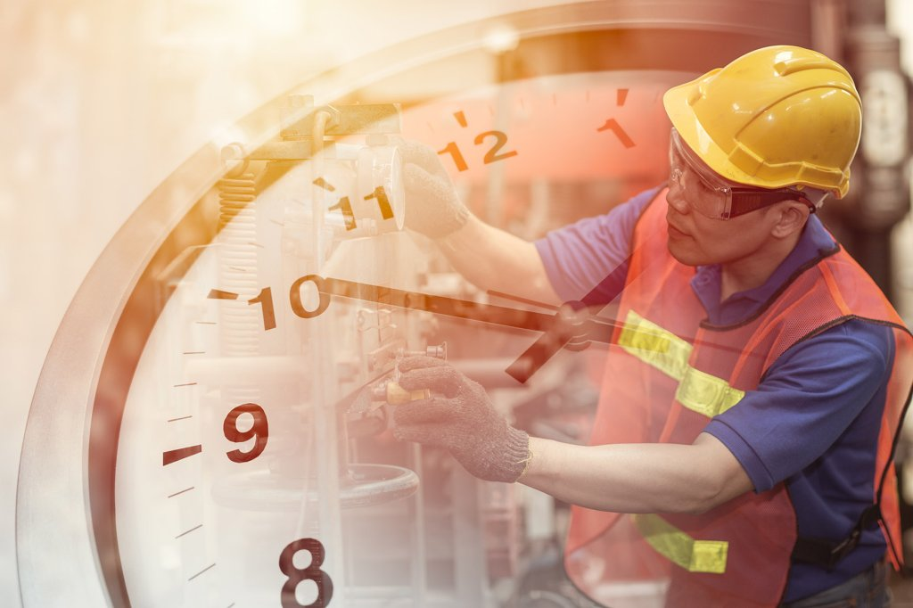 How Manufacturers Can Streamline Production Scheduling - cover