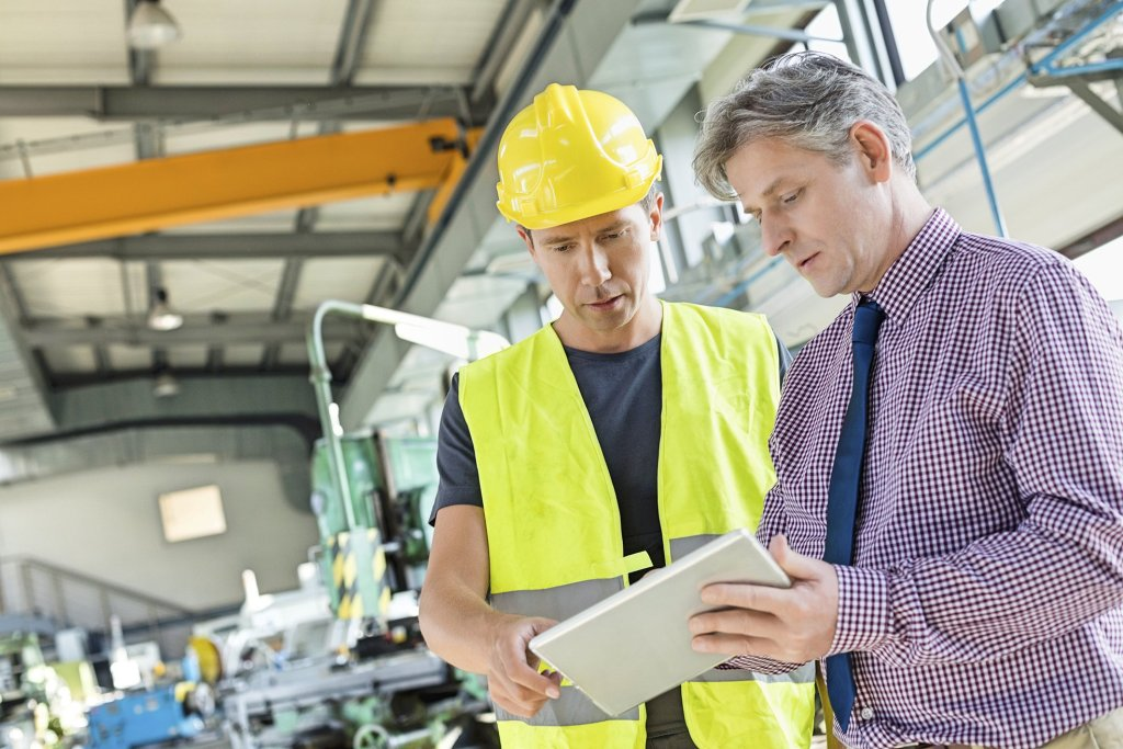 Wireless Technology Benefits for Manufacturing - cover