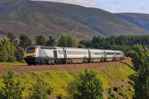 Dalwhinnie: HST test train derails - cancellations to trains in Scotland