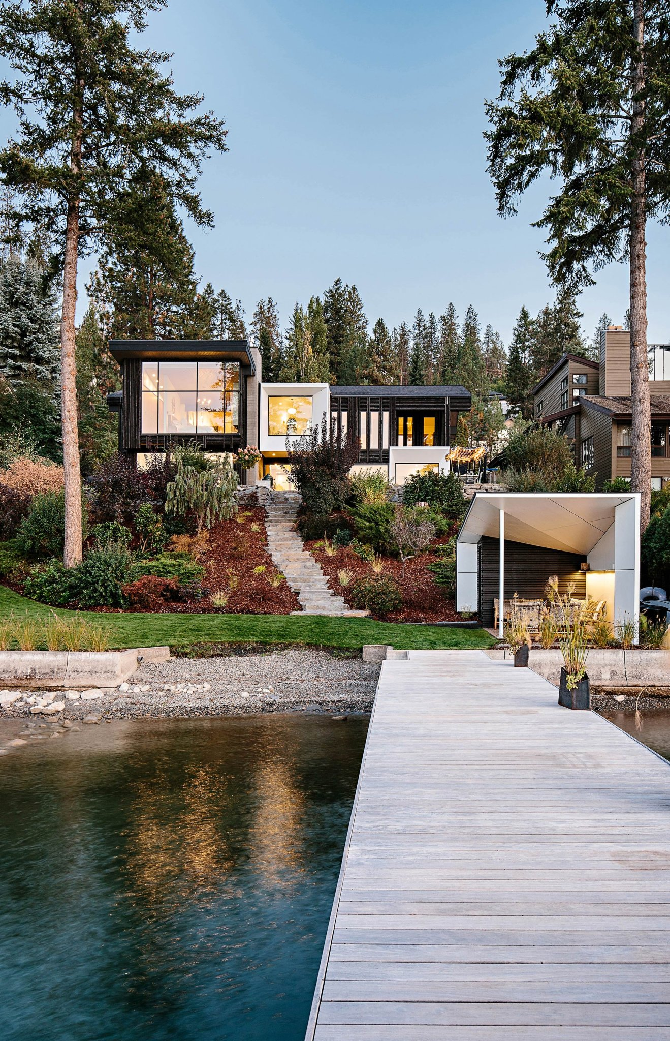 Amazing Waterfront Properties - cover