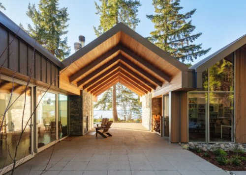 Roberts Creek Residence by Burgers Architecture Redefines the West Coast Cabin