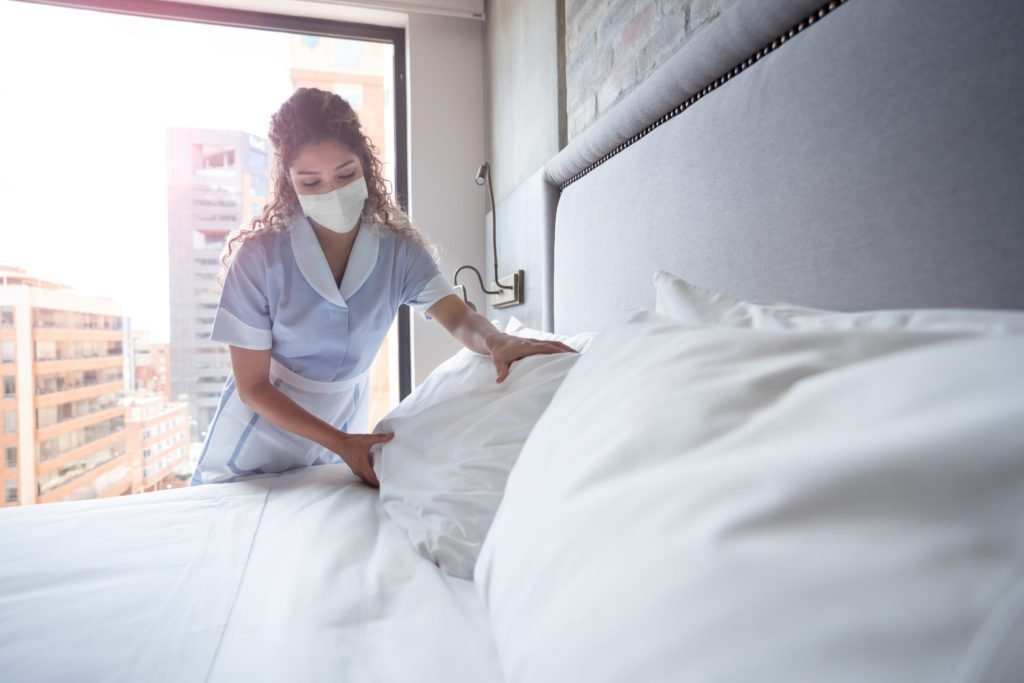 How Professional Cleaners Can Tell If a Hotel Room Is Clean