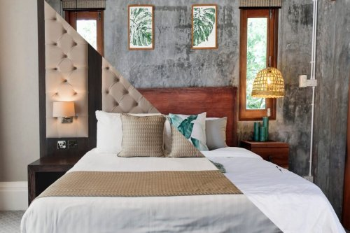 Airbnb vs. Hotel: What's the Difference?