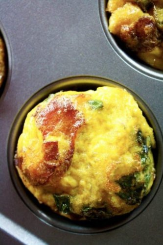 3-Ingredient Bacon & Egg Breakfast Muffins