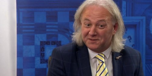 Bargain Hunt viewers in shock at auctioneer Colin Young's long hair