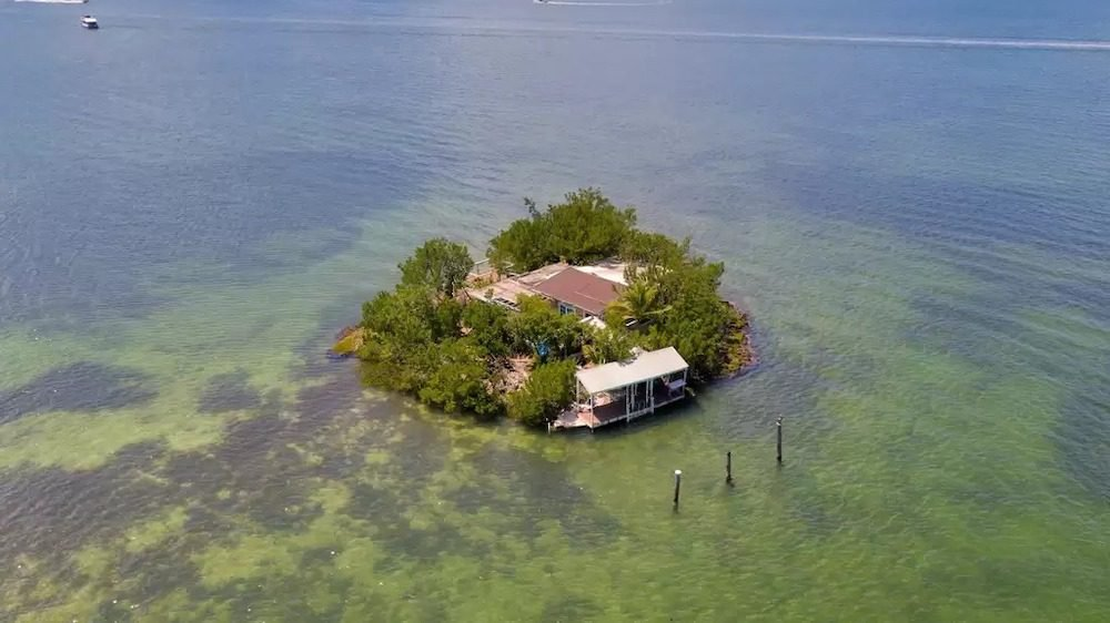 Gorgeous Getaways: 5 Private Islands You Can Buy Right Now